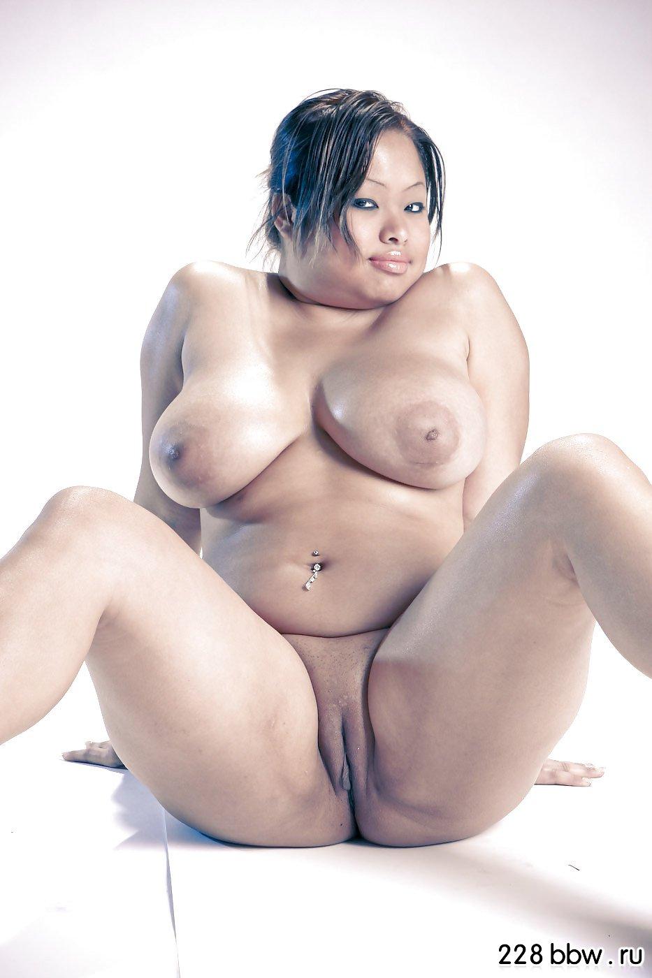 Фото голые пышные пухлые девушки 15 фотография