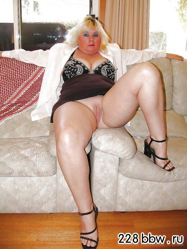 порно пышные женщины в чулках фото