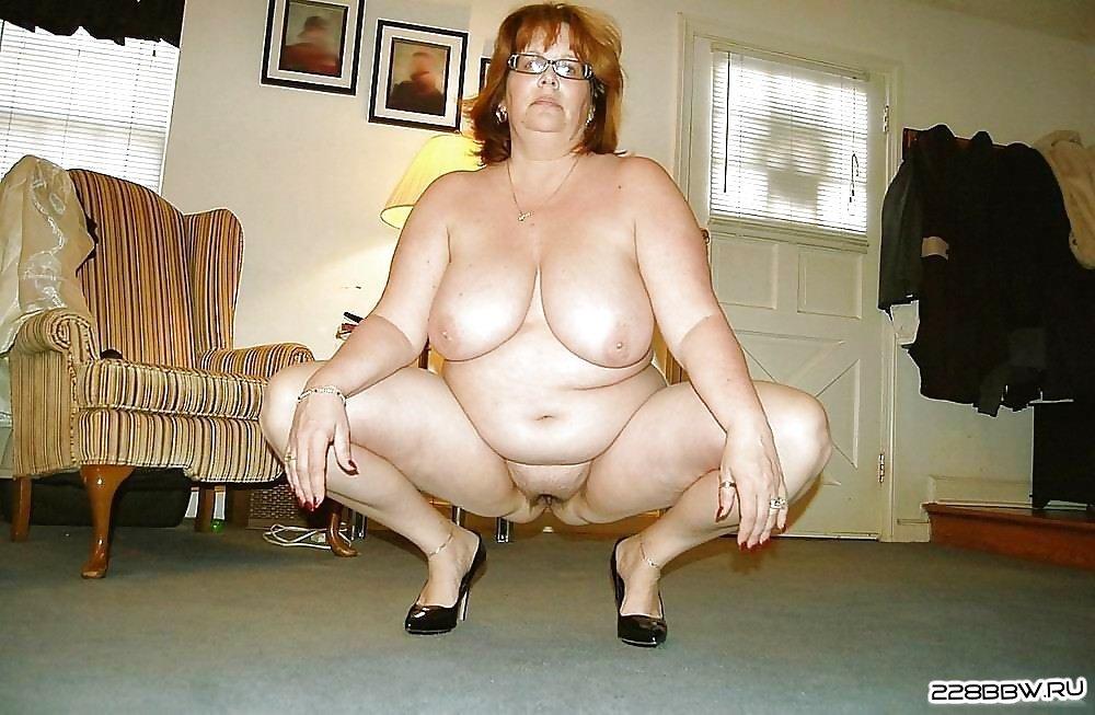 Голые девушки с пaрaшютом фото