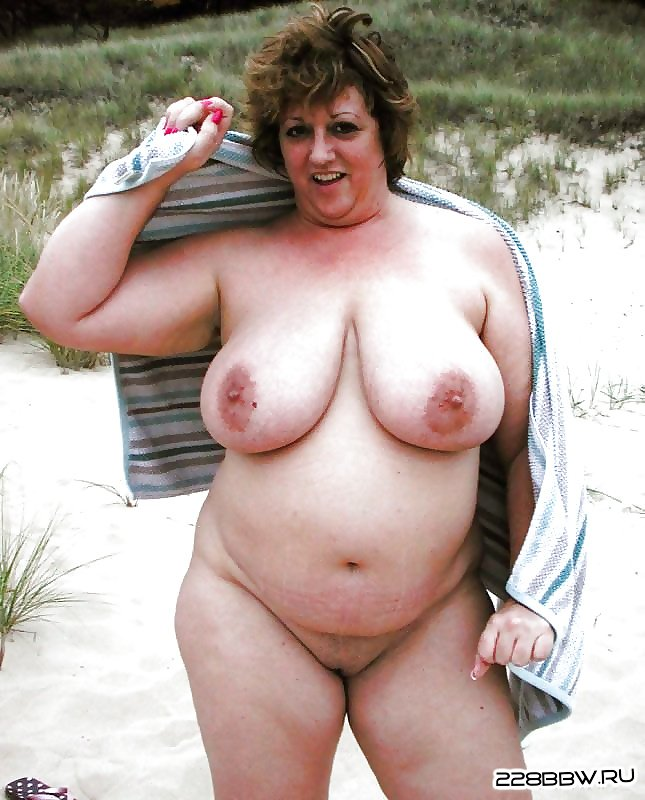 фото голых возрасте жирные мамы соблазняют своих сыновей в души