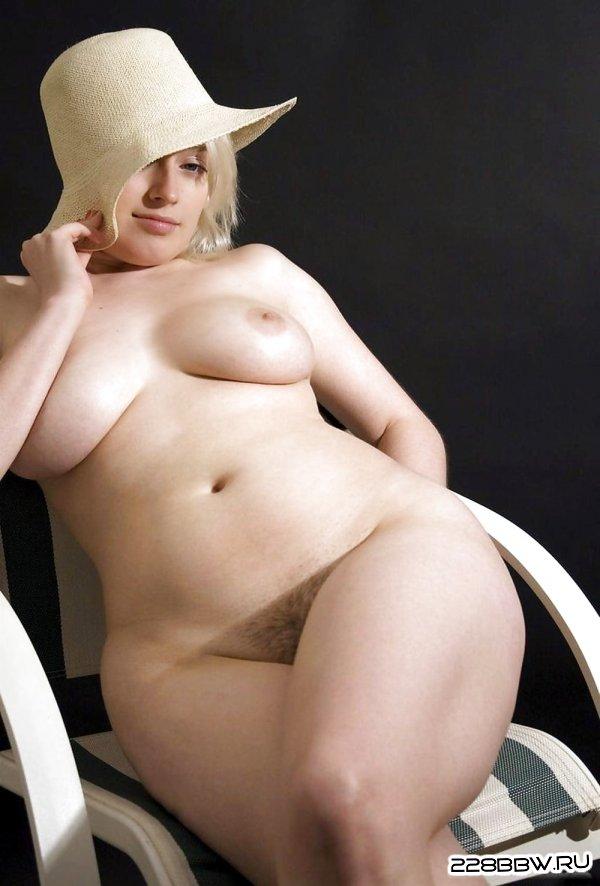 голые девушки фотографируют себя на телефон